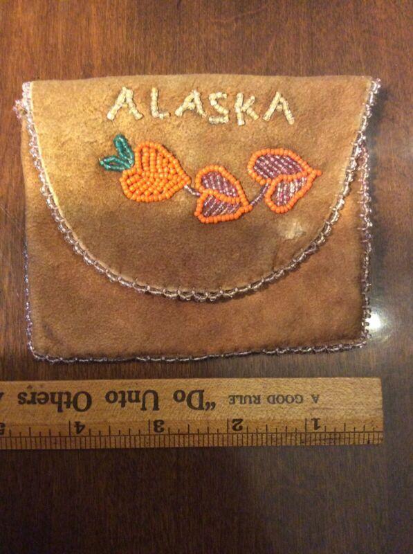Vintage Alaska Eskimo Indian Souvenir Beaded Beadwork Leather Pouch Bag Worn