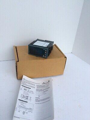 Precision Temperature Controller Eurotherm 2108i