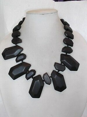 Rustic design Black painted faceted wood  beaded necklace (Painted Wood Beaded Necklace)