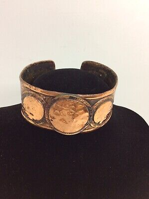 ARTS AND CRAFTS COPPER BANGLE.