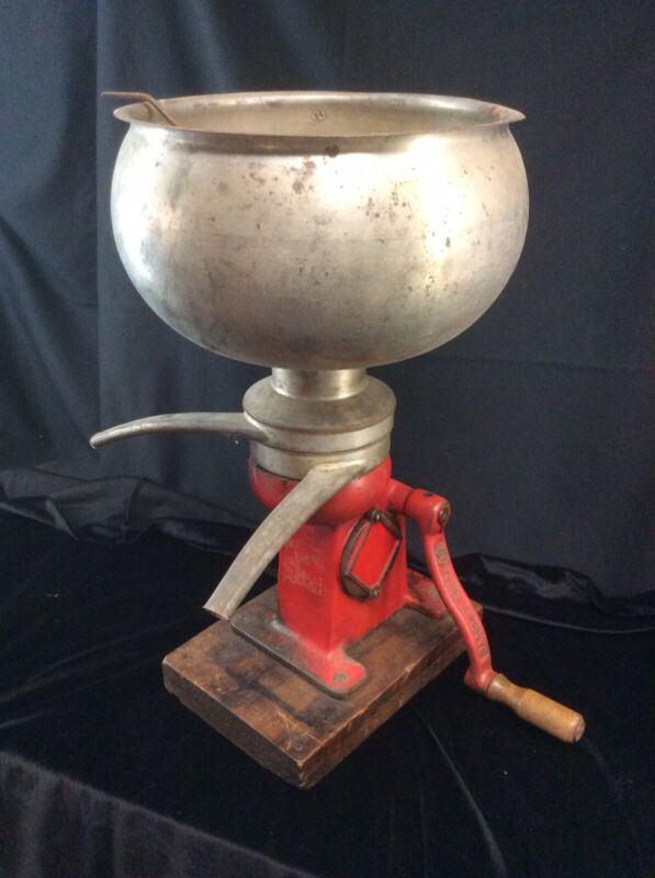Vintage cast iron Wood Hand Crank Cream Separator Antique galvanized complete