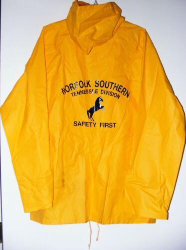Vtg Norfolk Southern Railway Vinyl Rain Jacket/Windbreaker Tennessee Division NS
