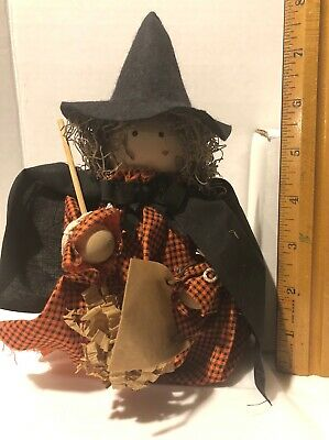 Halloween Witch Hand Craft (Hand Crafted  Halloween Witch Figurine)