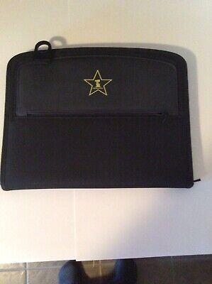 Black Leeds Canvas Leather Portfolio Binder. Border Zipper Gently Used.