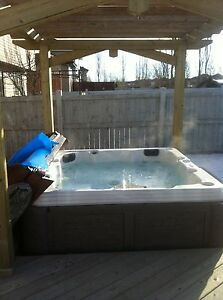 LAKEVIEW 2STORY 3BED2.5BATH HOT TUB BBQ SNOWBLOWER 2YR DEAL