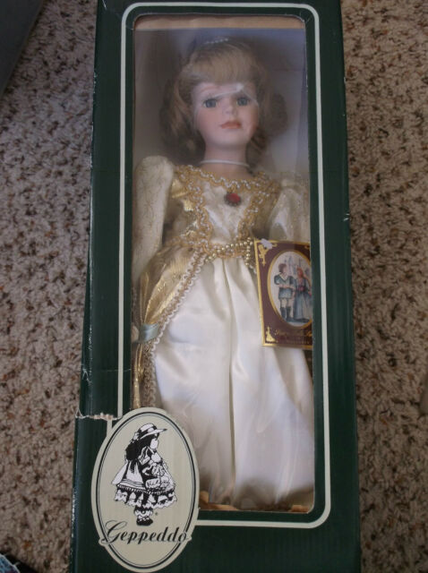 What are some examples of dolls in the Geppeddo Doll collector series?