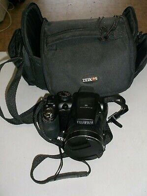 FujiFilm FinePix S4500 Digital Camera 14.0MP Super Wide 30x Lens