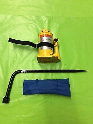 2012-2017 FORD TRANSIT 150/250/350 JACK AND TOOL KIT **EXCELLENT CONDITION**