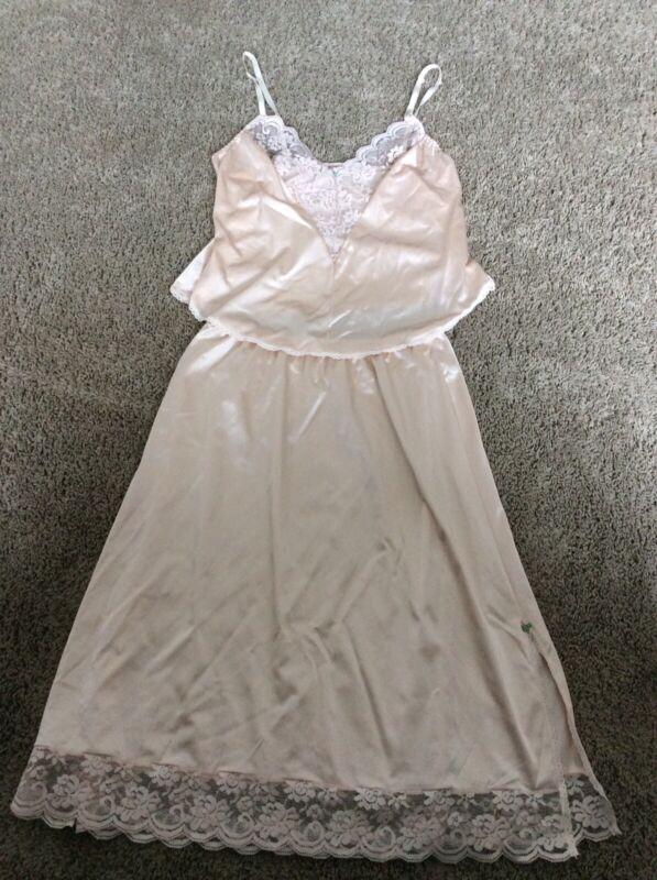 Maidenform Chantilly Cami and Slip 2 Piece Set Nylon Lace  Vintage Size 36