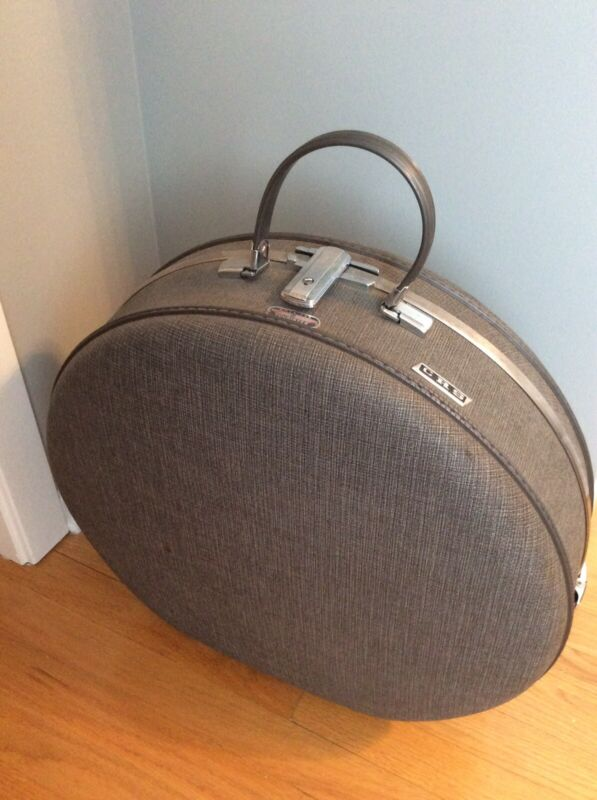 """Vintage AMERICAN TOURISTER Round Luggage/suitcase 20"""""""