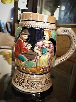 Stein-design Base (VINTAGE 3D BOLD DESIGN LUSTRE RIMS MUSICAL STEIN COUPLE WITH DOG CHERUB BASE)