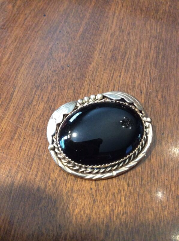 Vintage Native American Onyx Stone & sterling silver 925 D. GUERRO Pin brooch