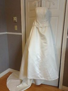 Size 12 ivory wedding dress