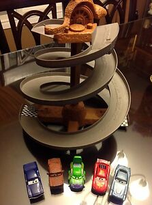 Disney Pixar Cars Wheel Well Motel Collapsible Spiral Race Track