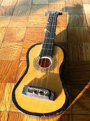 Gitarre  Puppenstube Puppenhaus Zubehör Puppenstubenzubehör Puppenhauszubehör