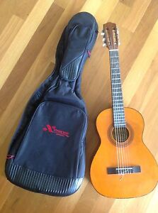 3/4 Valencia acoustic nylon string classical guitar soft case Wonglepong Ipswich South Preview