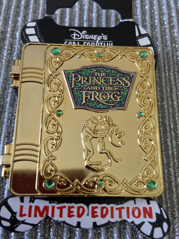DSF NEW Disney Princess and the Frog Gold Storybook Pin Limited LE Tiana DSSH