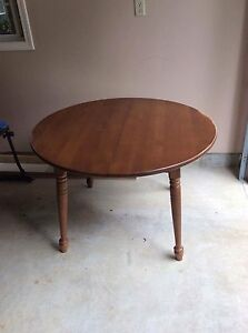 Vilas Maple Dining Table and 4 chairs