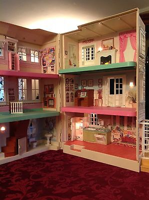 FISHER PRICE LOVING FAMILY SPECIAL EDITION TOWNHOUSE DOLL PLAY HOUSE 2000 74306