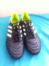 Football shoes Golden Grove Tea Tree Gully Area Preview