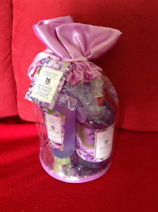 NEW Bath/ Body Gift set