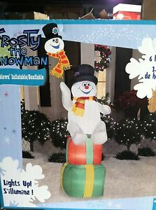 6-Ft-Frosty-the-Snowman-on-Presents-Airblown-Inflatable-Outdoor-Christmas-Decor