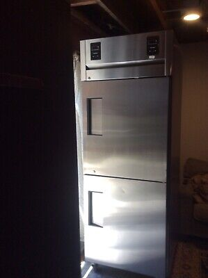 True Commercial Refrigerator Freezer Tr1dt- 2hs Used - Clean. Needs Service