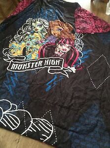 Monster high bed sheets and quilt