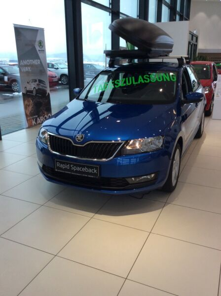 Skoda Rapid Spaceback Cool Edition SHZ LM Felgen  PDC