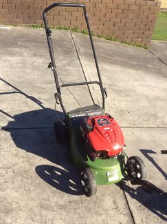 Masport President 3000 Quadcut 46cm lawn mower Latrobe Latrobe Area Preview