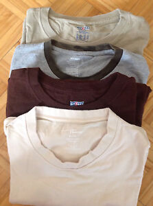 Unworn men's t-shirts