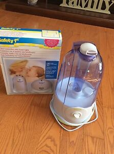 Safety first humidifier and monitor