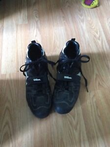 REDUCED!!!! Size 10 Wilson Softball Cleats