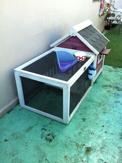 RABBIT HUTCH  - PINK  Annandale Leichhardt Area Preview