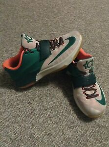 KD 7 size 13 $65 or obo good condition and barely used Edmonton Edmonton Area image 1