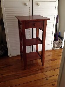 Side table/ stand Mount Riverview Blue Mountains Preview
