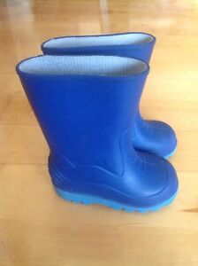 Toddler rubber boots size 6