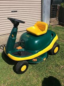 MTD Beetle ride on lawn mower Armidale Armidale City Preview