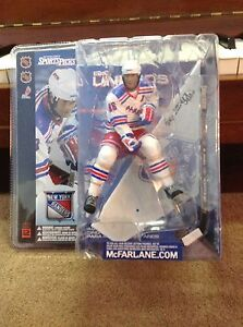 Eric Lindros McFarlane Action Figure