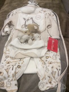 BNWT - Ollies Place neutral 7 piece baby set Mount Cotton Redland Area Preview