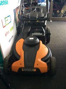 71078 - Worx Lawnmower