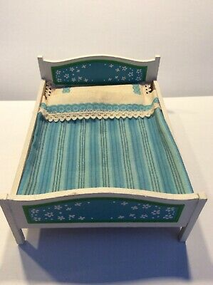 Vintage LUNDBY dolls house furniture - Blue/white double bed