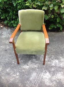 Antique Chair Morwell Latrobe Valley Preview