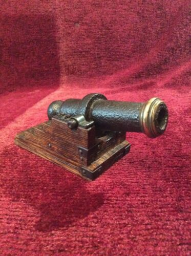 VINTAGE IRON AND BRASS MODEL CANNON