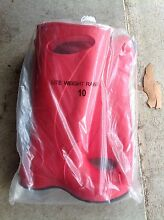 Size 10 Red light weight rainboots (gumboots) Tenambit Maitland Area Preview