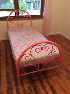FREE Furniture pick up Saturday 10 Oct Douglas Park Wollondilly Area Preview