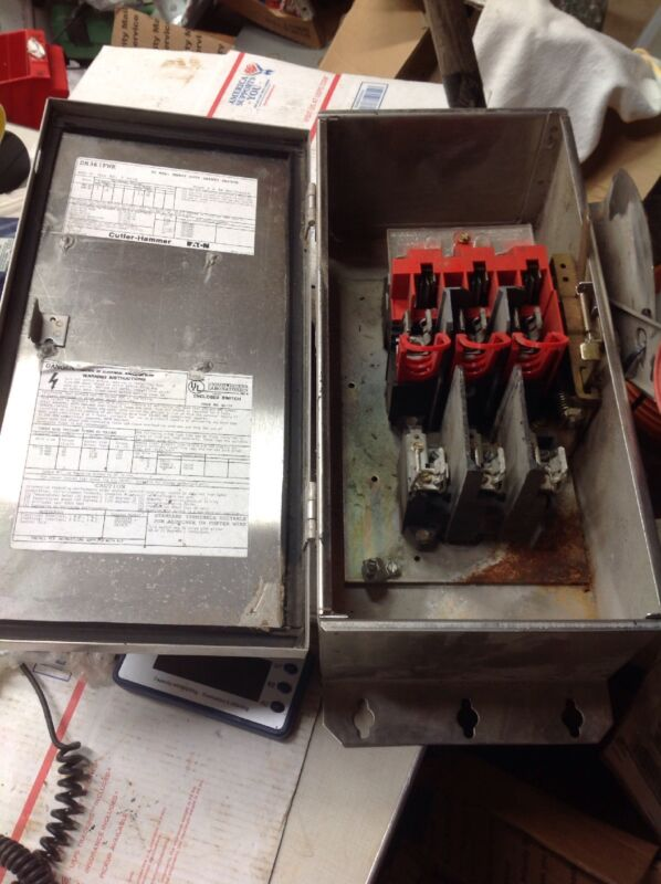 Eaton Dh361fwk Stainless Steel Fusible 3 Pole Safety Switch Outdoor 30a ~ 600v