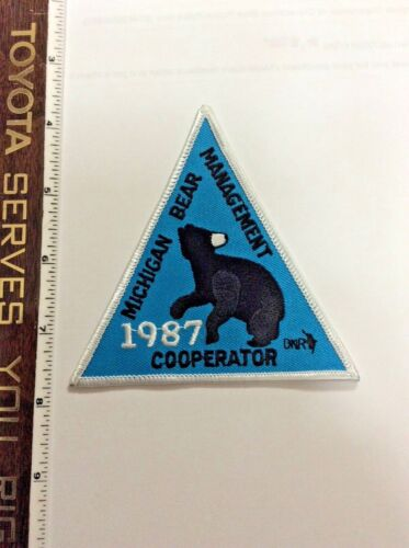 Vintage Michigan Bear Management Cooperator 1987 DNR Police Shoulder Patch New