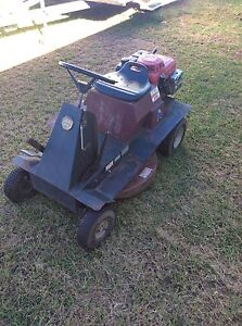 Ride on mower Bushland Beach Townsville Surrounds Preview