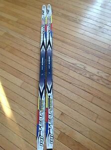 WAXLESS cross-country skis